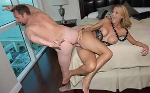 Free Moms Bizarre Porn Pictures