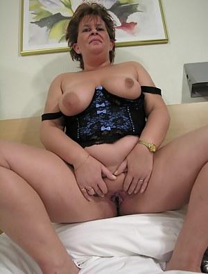 Free Big Natural Tits Moms Porn Pictures